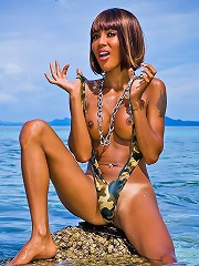 Absolutely Hottest Tranny Playing Nude In The Water