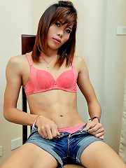 Thai Tranny Cums Over Her Hairy Balls