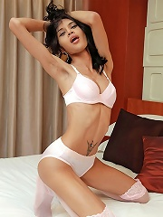 Longmint Hung And Horny In Pink Stockings
